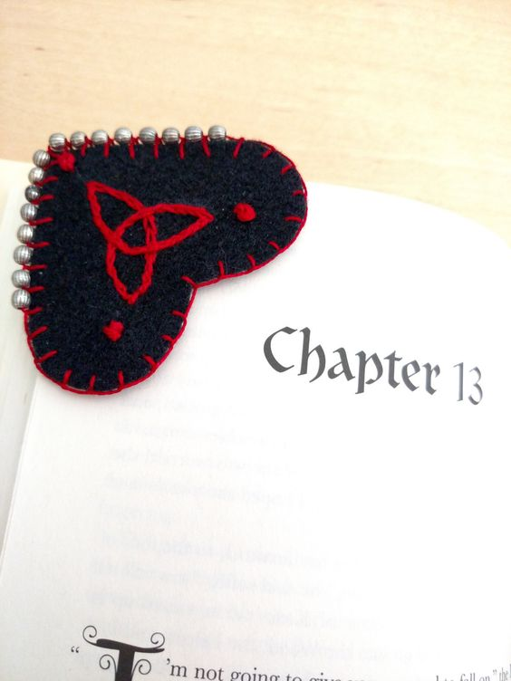 Triquetra  Corner Bookmark by WeeFelts on Etsy