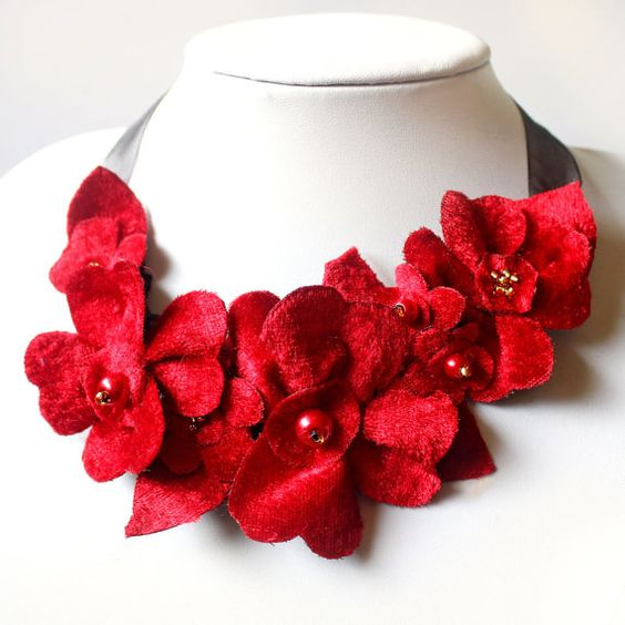 Bright Red Necklace, Velvet Flower Statement Necklace for a Special Occasion, Red Ribbon Jewellery, Fabric Flower Bib Christmas Accessory