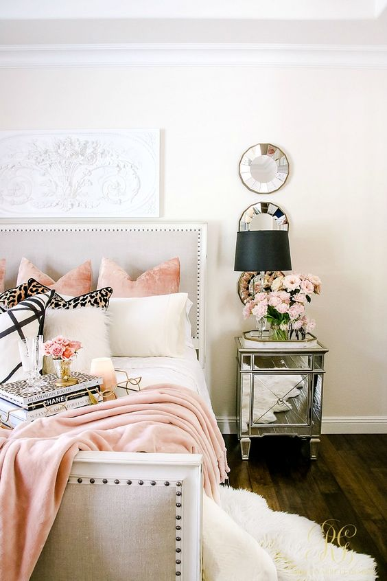 Pink black and white in the master bedroom Welcoming Fall Home Tour 2017 - Glam Fall Bedroom
