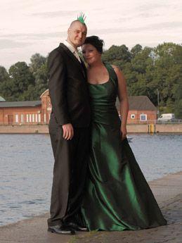 Farbe Hochzeitskleid grün  Farbige Brautkleider - In welchen Farben ...