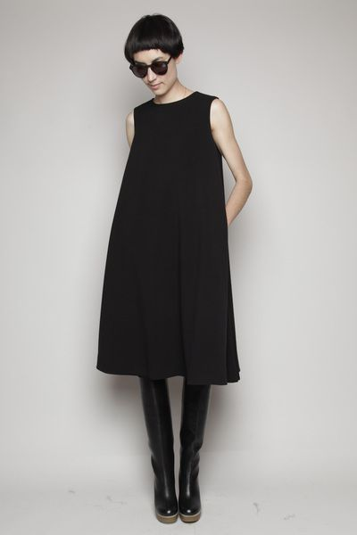 minimal black dress - The sleeveless version of The Trapeze Dress would be perfect for this look...  www.drapersdaughter.com  #sewing