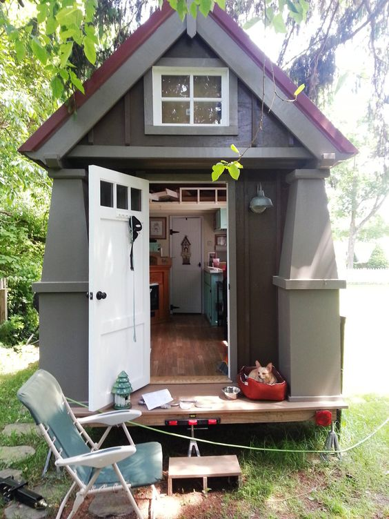 Tiny house house and side a on pinterest for Small cottages to build