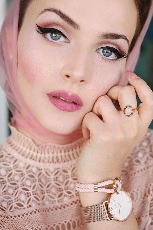 Pin By Alysa On 50s Makeup Vintage Makeup Looks Retro Makeup Rockabilly Makeup
