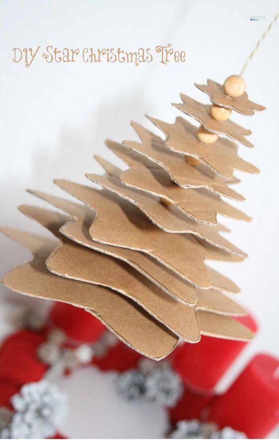 Cardboard Christmas tree / Weihnachtsbaum aus Kartonsternen / Upcycling: