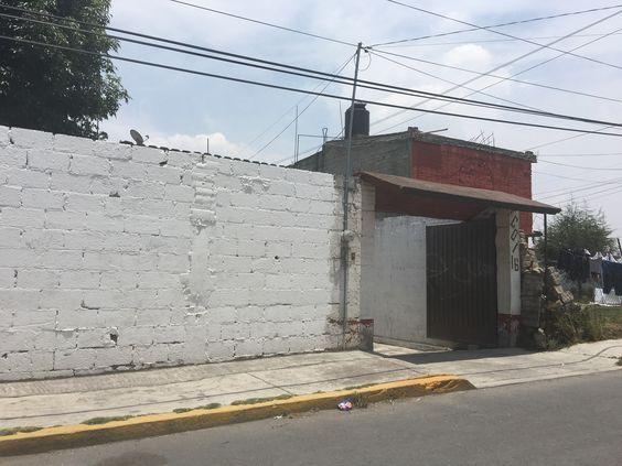 VENDO CASA COMO TERRENO,  EN EL CARMEN, TOTOLTEPEC, TOLUCA, EDO. MEXICO