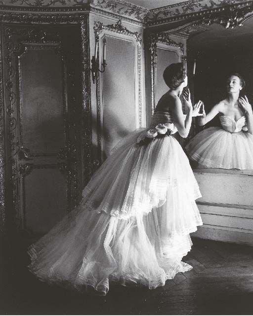 Ballgown, Dior, Paris, 1950, Louise Dahl-Wolfe.