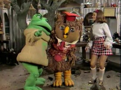 The most boring educational show of all time has to be The New Zoo Revue.  It aired from 1972 to 1977, and you can still catch it in syndication today (why?  I have no idea!).  The musical comedy's big pull – the show conveyed the concepts of cooperation and guidance for living in contemporary society.  Exhilarating!