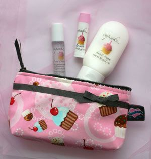 Cupcake Gift Set....this is great for Mindy