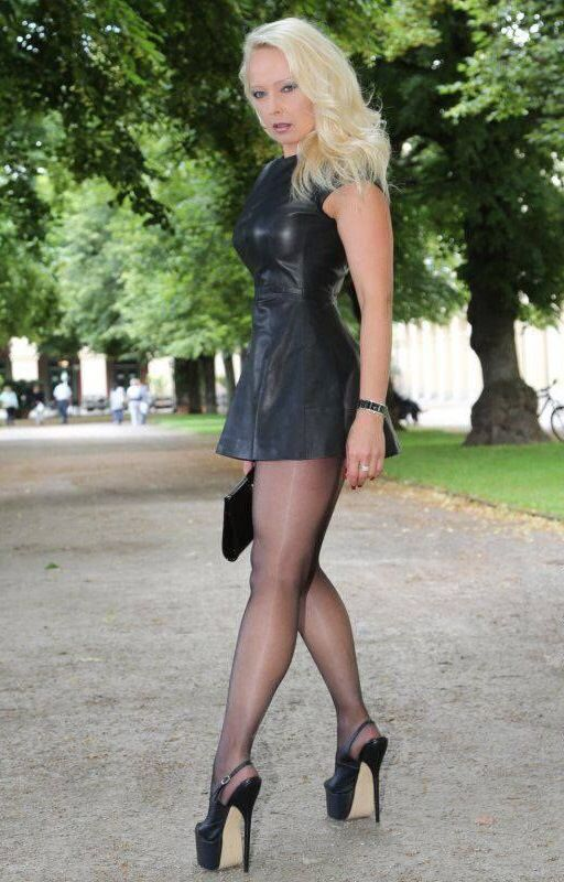 Sexy lady in lovely high heels | Sexy heels - I love them