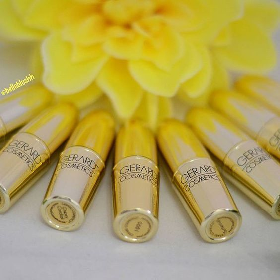 Lying in bed praying for the beautiful sun to come out  Have a lovely weekend hunnies  #gerardcosmetics #goldenbullets #lipstick #lipstickstash #lipstickjunkie #lippies #belleblushh