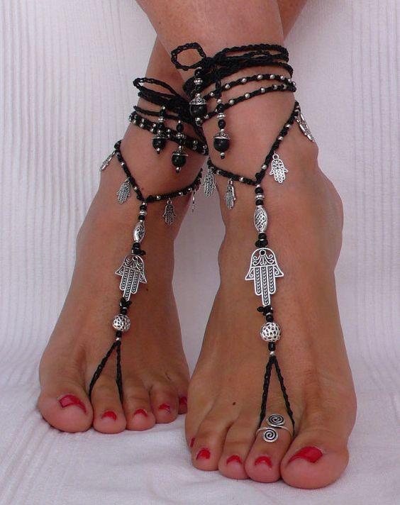 Negro y plata HAMSA sandalias descalzo pie por PanoParaTanto