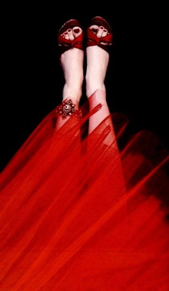 Red Tulle & Heels -Sarah Moon Photography #HelloRed: