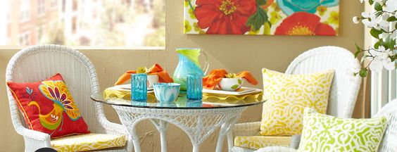 Would love to have this set on my deck...Love the colors Pier 1