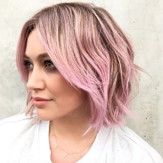 Hilary Duff debuts candy floss pink hair, and we're into it