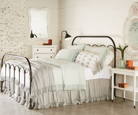 Magnolia homes magnolias and primitives on pinterest for Joanna gaines bedroom designs