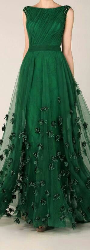 Fav color... Beautiful!! Emerald Chiffon Dress.  This is so beautiful I gasped.  Really.: