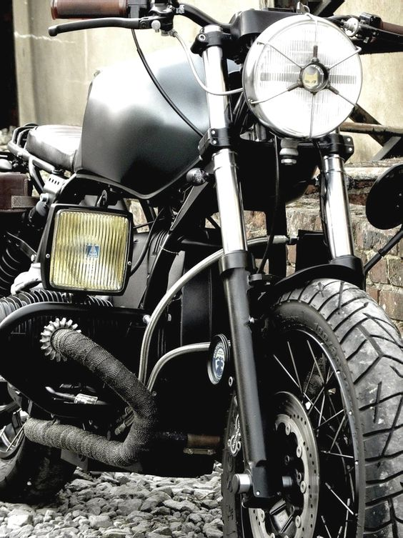combustible-contraptions:  BMW Brat Track | Street Scrambler Headlight Protector | Fog Light | Belly Plate