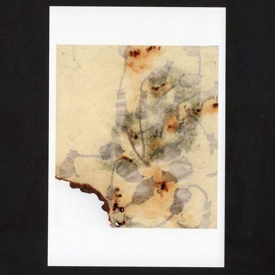 ボールペンで描いた絵をインクジェット印刷したポストカードです。裏面の右下の〈〉の中に作品名が入ります。サイズは100×148mmです。透明フィルム... ハンドメイド、手作り、手仕事品の通販・販売・購入ならCreema。
