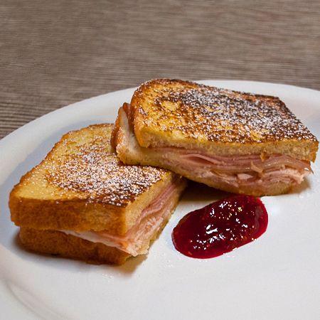 Monte Cristo Sandwich!  Looks delicious!