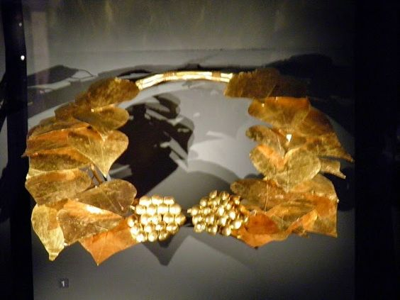 Another magnificent piece , a crown found in the Macedonian Tomb of Vergina, exhibited in the Archaeological Museum of Thessaloniki