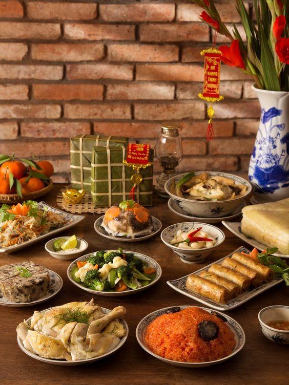 Mâm cỗ Tết Việt Nam