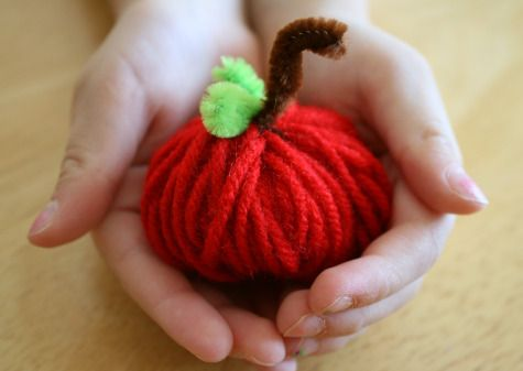 Fall Yarn Apple Kids Craft