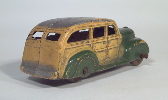 tootsietoy_239_pre_war_station_wagon_1938_international_woody_truck_die_cast_scale_model_toy_2.jpg 1 866×1 118 píxeis