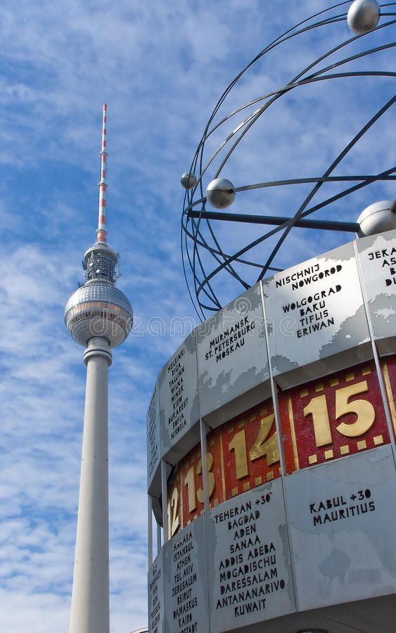 Berlin Alexanderplatz With Weltzeituhr The Tv Tower And The Weltzeituhr World Affiliate Weltzeituhr Tv Berlin Alexanderp Berlin Photo Stock Photos