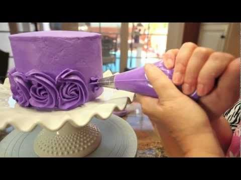 Great tutorial for ombre rose cake