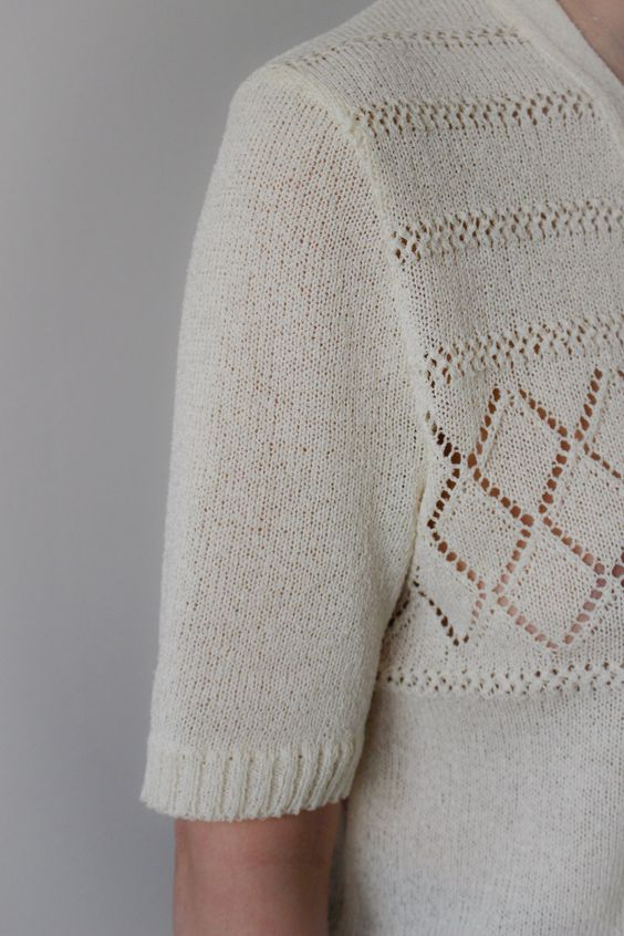 Filet Sans Sauce / Gilet Vintage / Ivoire / Tricot / Crochet / Made In France de la boutique LARELIGIEUSE sur Etsy