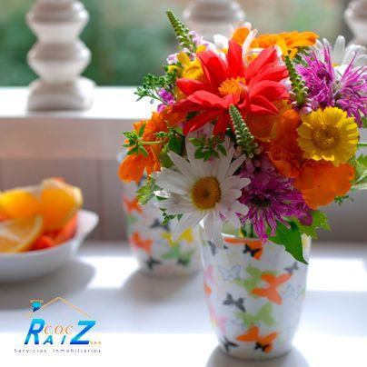 #COCHogar  Para que las flores duren más,  prueba mezclar el agua del jarrón con una cucharadita de sal, otra de azúcar y dos o tres gotas de cloro
