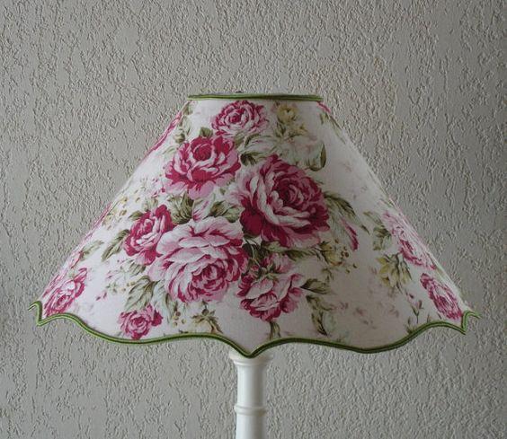 Lampshade - Abat-jour en tissu coton imprimé gros bouquets de roses aux tons vifs et dégradés