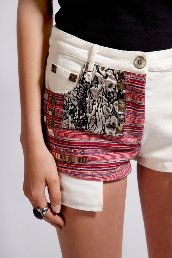 Boutique Candice Stud Aztec Stripe Denim Shorts