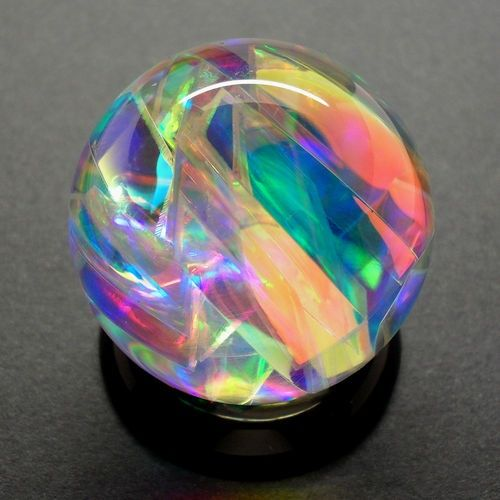 Dreamsphere A Mesmerizing Handmade Color Changing Marble Created Using Nanotechnology To Produce An Array Of P Glass Paperweights Marble Art Glass Artwork