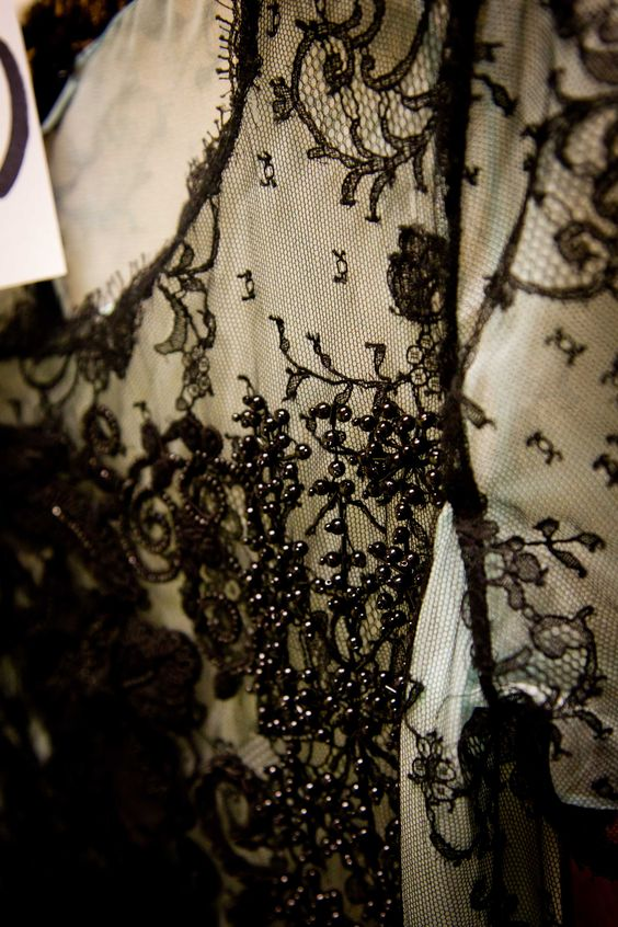 Lace + embroidery - Oscar de la Renta - Spring 2013 #odlr (photo by Xavi Menós)