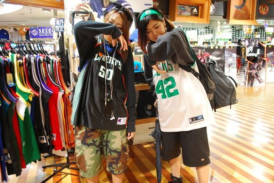 【大阪店】2014.10.14 とっても可愛いDJとダンサーにスナップ協力していただきました!次はセルティックスのジャケットを狙いに来て下さいね!