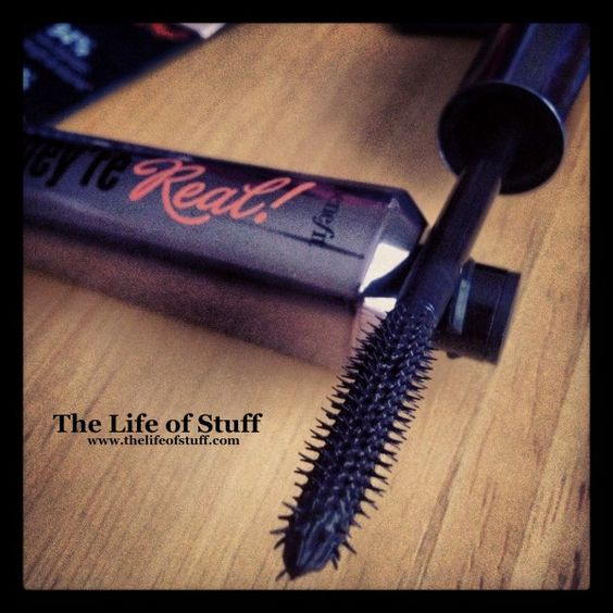 The Life of Stuff   Personal and Irish Lifestyle Blog: Best Beauty Buy in a While   Benefit Theyre Real Mascara