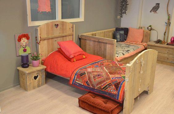 Voor kinderen is een bed niet alleen een plek om 's nachts te slapen, maar ook om overdag te spelen. Deze maatwerkbedden zetten de juiste sfeer neer.