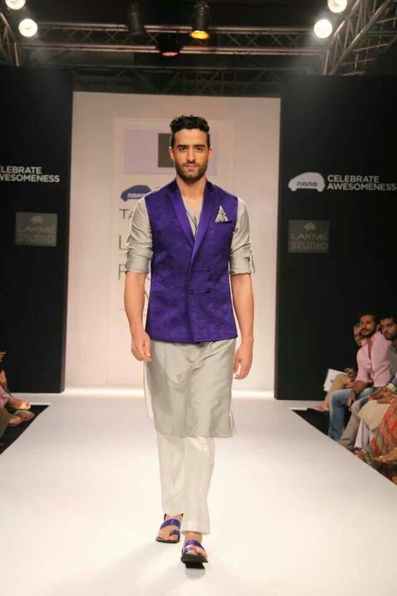 Harbour Grey Kurta with violet jacket for Indian men | Grooms men's wear | Men's Outfit Ideas | Stylish Groom's Wear | Perfect for Mehendi and Day Events | 7 NEW Looks for Grooms of 2018 Inspired by Pantone Colour of the Year!