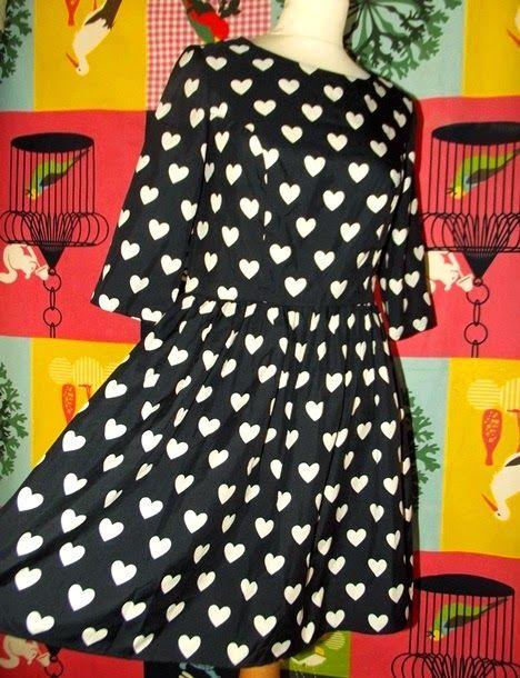 YUMI ON LINE: ATMOSPHERE ROBE DRESS POP RETRO FIFTIES COEURS T U...