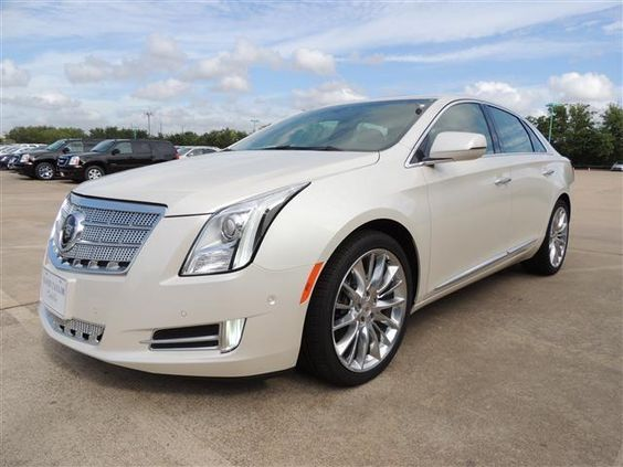 2014 cadillac xts platinumcollection platinum collection 4dr sedan sedan 4 doors white for sale. Black Bedroom Furniture Sets. Home Design Ideas