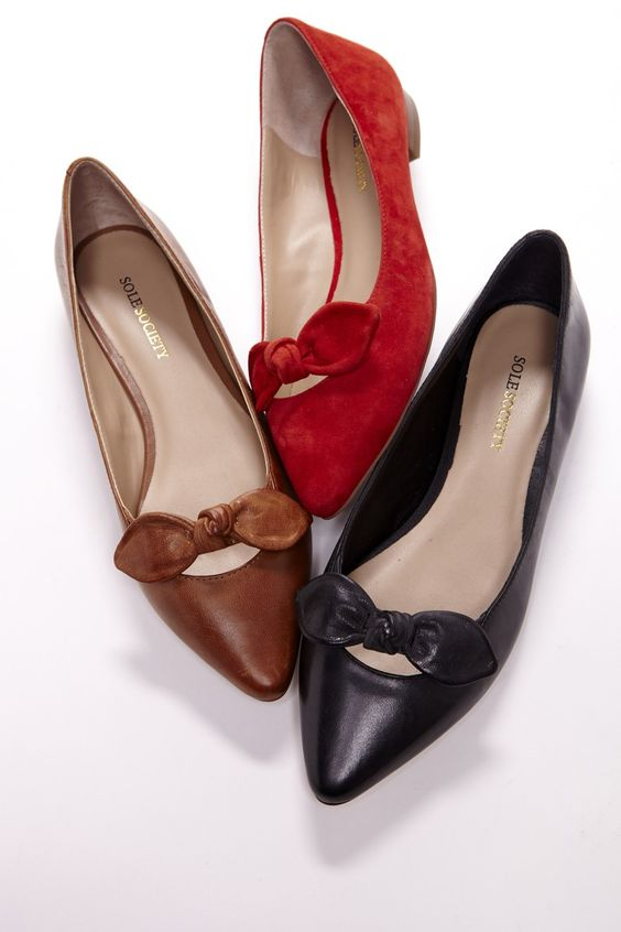 Pointed Toe Bow Flats