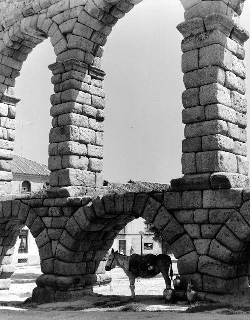 Segovia el acueducto y burro fuente de los vientos for Puerta jakober augsburgo