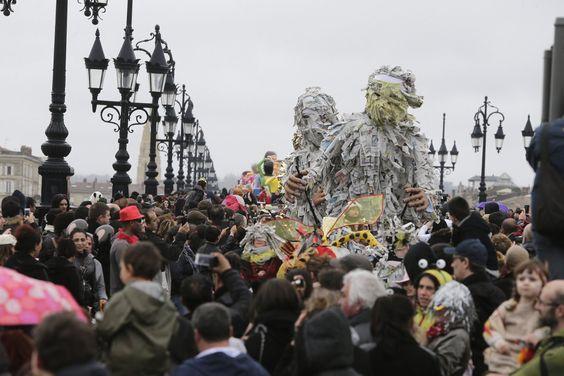 Bordeaux : les plus belles images du Carnaval des deux rives