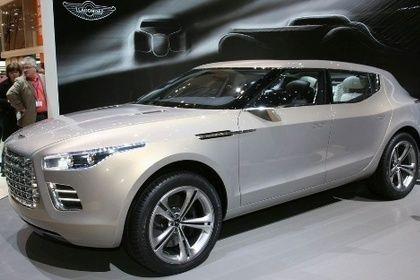 Aston Martin думает создать кроссовер, заручившись поддержкой Mercedes-Benz http://carstarnews.com/aston-martin/201414436