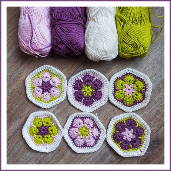 No information attached to this - just the picture to show how these colours can look so lovely together: previous pin has details of how to make the African Flowers: