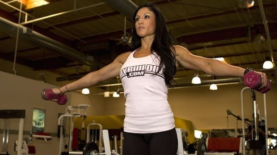Girls, Get Your Guns: Why Women Should Lift Weights!  Hormones and diet make the sexes different, but women can still build muscle and gain strength. You dont want to look like a man, but you need to become a stronger woman! fitness fitness #Fitness #Diet