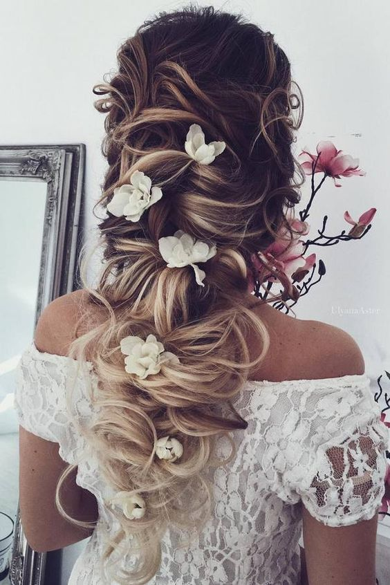 Ulyana Aster Long Wedding Hairstyles & Updos 11 / http://www.deerpearlflowers.com/romantic-bridal-wedding-hairstyles/3/