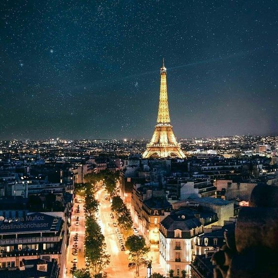 "503 Me gusta, 25 comentarios - Revista Vanidades USA (@vanidadesusa) en Instagram: ""¿En qué ciudad te gustaría estar esta noche?, ¿París, San Francisco, Toronto, Moscú o Tokio?…"""