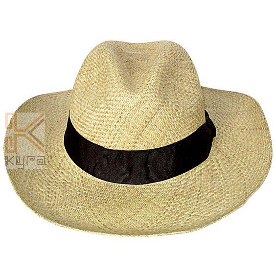 Sombrero aguadeño, trenzado a mano, elaborado con palma de iraca (fibra natural)
